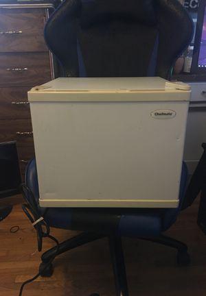 Mini fridge for sale! for Sale in Gardena, CA