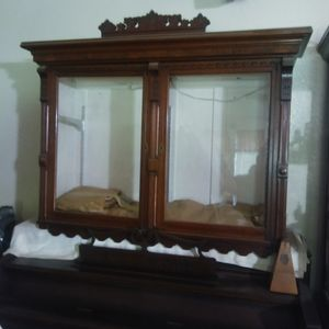 Antique lighted glass hutch for Sale in Puyallup, WA
