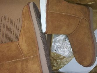 Size 10. UGG Women Boots for Sale in Oklahoma City,  OK