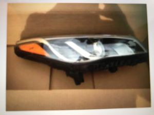 Hyundai Sonata headlight assembly for Sale in Federal Way, WA
