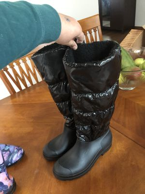 rain boots 10 new for Sale in San Leandro, CA