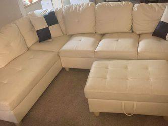 A Nice Set Of Couch for Sale in Mountlake Terrace,  WA