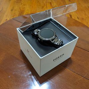 Fossil Gen 5 Carlyle Stainless Steel Touchscreen Smartwatch with Speaker, Heart Rate, GPS, NFC, and Smartphone for Sale in Philadelphia, PA