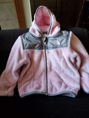 Girl North Face sweater for Sale in Renton, WA