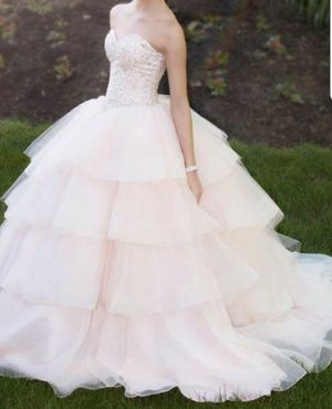 Beautiful dress for Sale in Brooklyn, NY