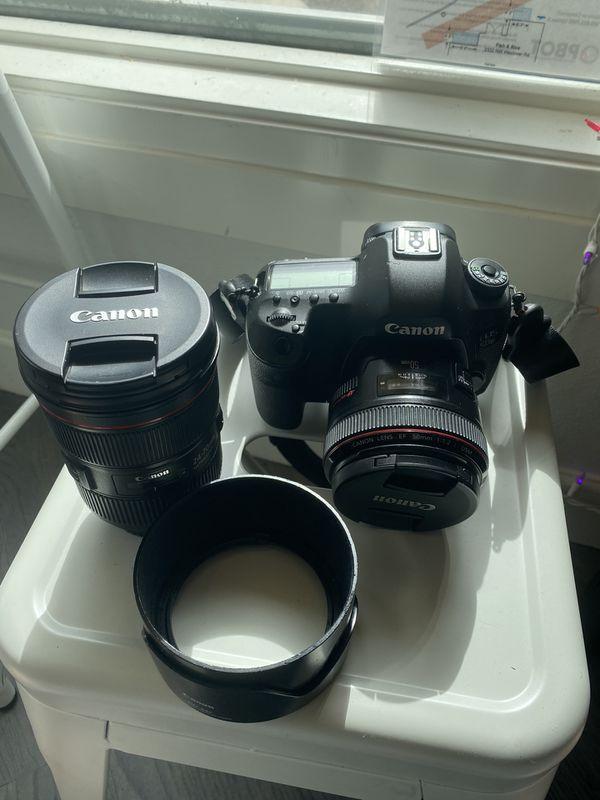 Canon 5DS EOS camera
