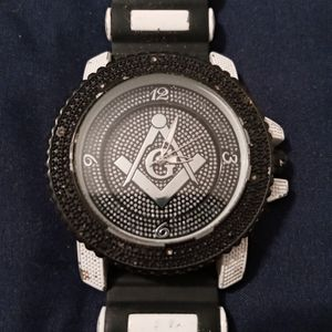 Mason Watch Batter Need To Be Replaces for Sale in Humble, TX