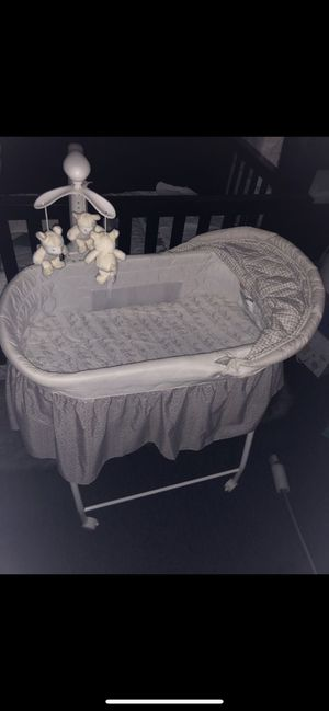Baby Bassinet for Sale in San Fernando, CA