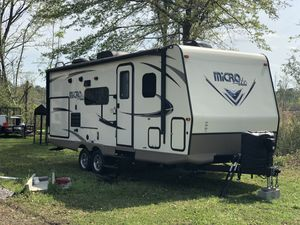 Forest river Flagstaff micro lite camper 25bds for Sale in North Charleston, SC