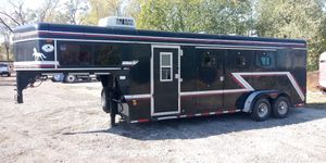 Sundowner 3 horse trailer for Sale in Chicago Heights, IL