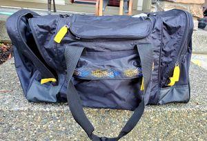 Large SKI/ snowboard BAG w/boot storage & Ski holding travel bag for Sale in Lacey, WA