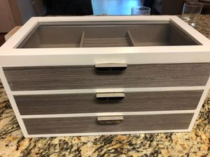Jewelry box for Sale in Tampa, FL