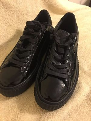 Brand new puma l fenty shoes size 9 for Sale in Bronx, NY