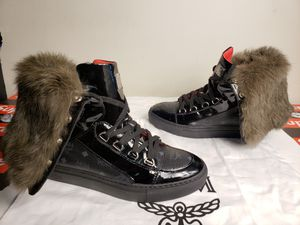 Mcm fur boots size 5 women's no box for Sale in Columbus, OH