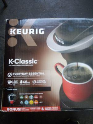 Keurig k-classic coffee maker for Sale in Santa Ana, CA