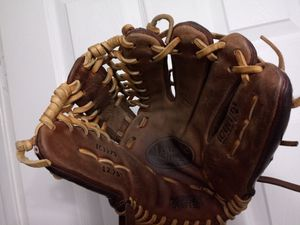 Louisville slugger pro mitt baseball softball glove a2k a2000 quality for Sale in San Leandro, CA