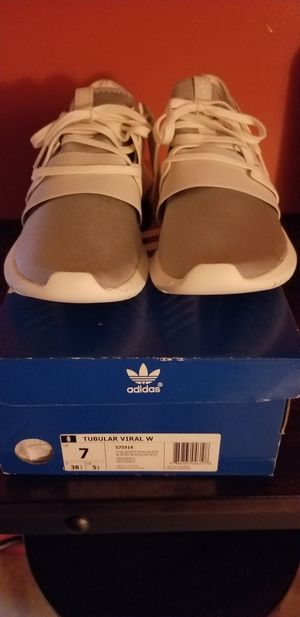 Adidas Tubular Viral Womens size 7 for Sale in Queens, NY