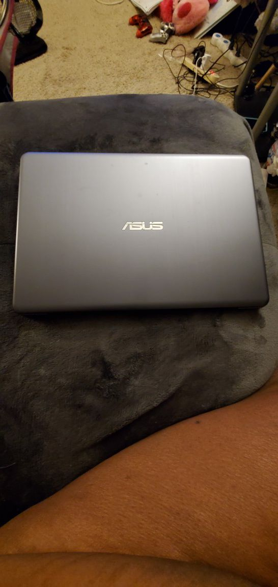 Laptop for sale paid 390$asking 250$ obo