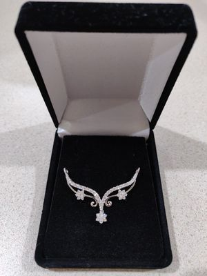 Beautiful 14k Diamond Pendant with White Gold for Sale in Clarksburg, MD