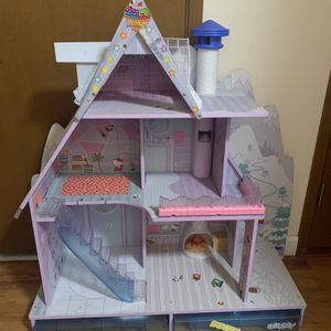 L.O.L. LOL Surprise Doll House for Sale in Issaquah, WA