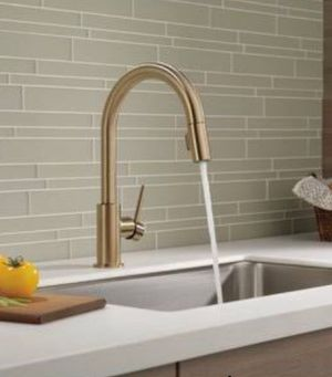 Delta Down Single Handle Kitchen Faucet with MagnaTite Docking and Diamond Seal Technology for Sale in Long Beach, CA