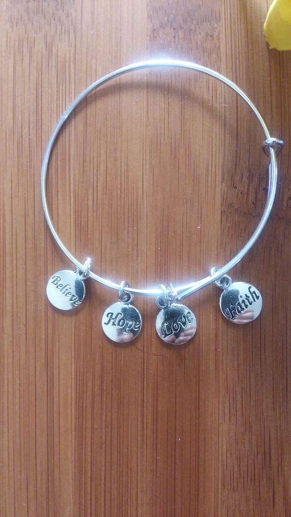 1PC Beautiful African Charm Bracelet