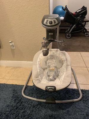 Graco baby swing for Sale in Pompano Beach, FL