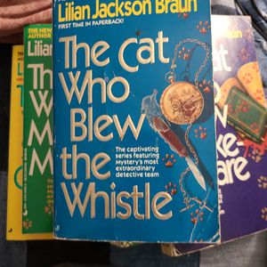 The Cat Who Blew The Whistle, Lillian Jackson Braun, Paperback for Sale in Auburn, WA