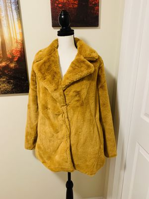 Jessica Simpson Winter Coat size Large NEW for Sale in Laurel, MD