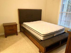 Queen bedroom set for sale for Sale in Atlanta, GA