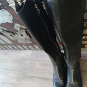 Size 8 1/2 Michael Kors Boots Like New Excellent Condition Butter-soft Leather for Sale in Modesto, CA