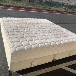 King Size Bed / Cama Tamaño King for Sale in Milpitas, CA
