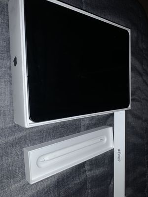 IPad Pro 11 and 2nd generation Apple pen bundle for Sale in Imperial, PA