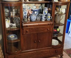 Antique China Cabinet for Sale in Sylmar, CA