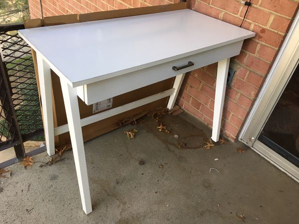 White desk with drawer