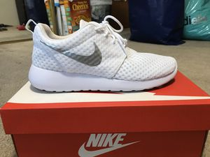 Women Nike roshe for Sale in Monterey Park, CA