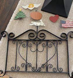 Nancy Thomas Garden Gate With Finials for Sale in Santa Ana,  CA