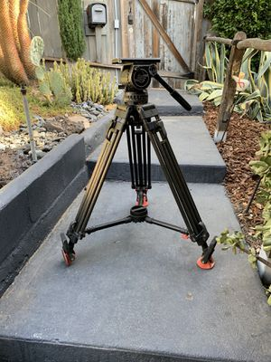 Sachtler Video 18 III Tripod for Sale in Los Angeles, CA