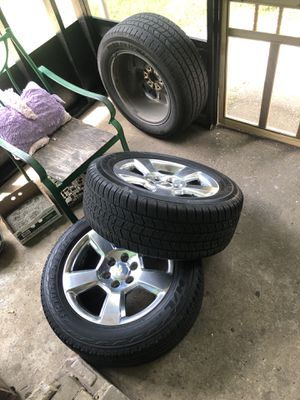 All 4 20s oem semi new tires with sensors for Sale in Houston, TX