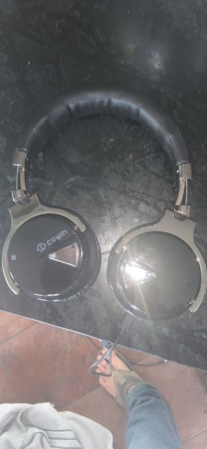 Cowin wireless headphones for Sale in McKees Rocks, PA
