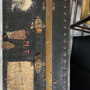 Antique Metal Steamer Trunk for Sale in Longwood, FL