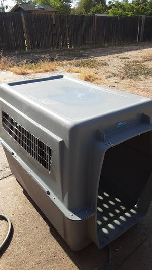 Pet mate dog kennel BIG paid 400 for it new. 100$ firm. for Sale in Phoenix, AZ