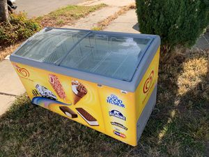 Free freezer! Works great! If you can haul it you can have it! for Sale in Newark, CA