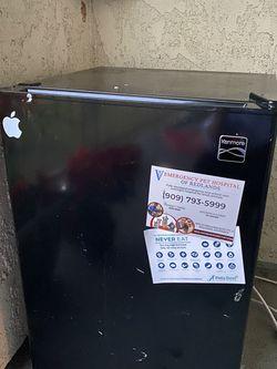 Kenmore Mini Fridge for Sale in Beaumont,  CA