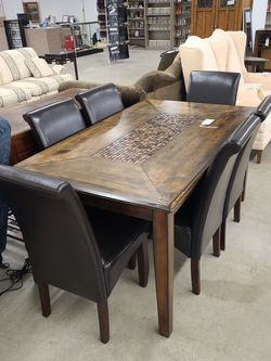 Dining Table With 6 Chairs for Sale in Lakewood,  WA