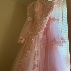 Sweet 15 Or 16 Dress for Sale in Hartford, CT