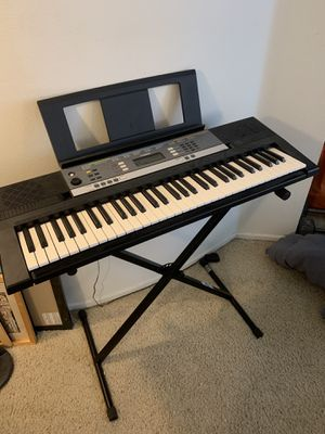 Yamaha YPT-240 Keyboard Piano for Sale in Beverly Hills, CA