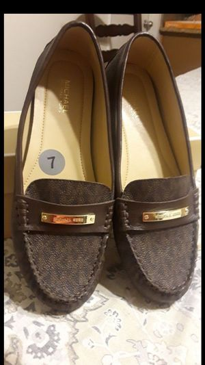 MICHAEL KORS SIZE 7 for Sale in Highland, CA