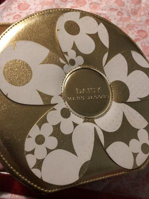 Daisy, Marc Jacobs, gold hard case, bag for Sale in Norfolk, VA