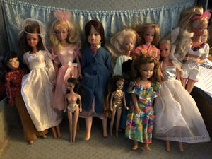 Lot of vintage collectible Barbies. for Sale in Lincoln, RI